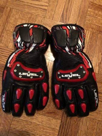 Photo Ski Gloves NEW- Level Hand Custom Fit Kira X Size 7Small - $40 (EVERGREEN)