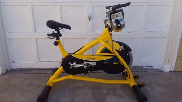 Photo Trixster Spin Bike with side to side motion - Commercial Grade - $750 (Arvada)