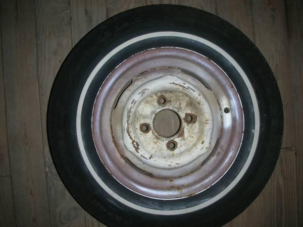 Photo 14quot 4 Lug 1970-1972 Ford Maverick Wheels WANTED (Berwick)