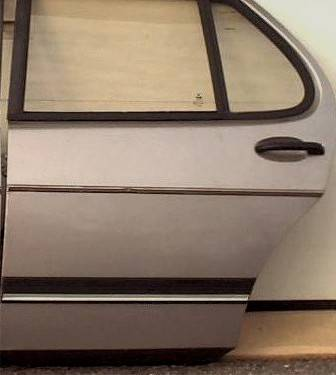 Photo 1979-1993 SAAB 900 sedan doors (Ephrata)