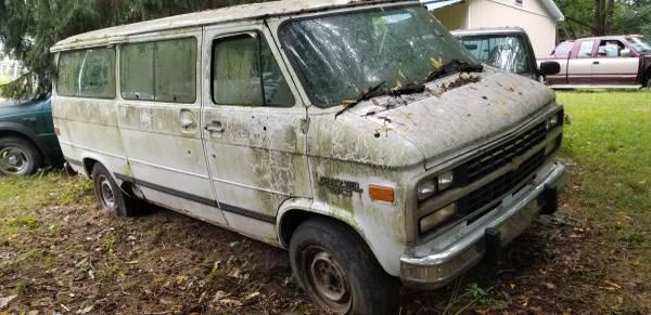 Photo 1995 Chevy 1 ton van part out - $1 (Nicholson)