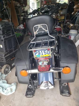 Photo 2003 Harley Roadking classic - $8,000 (Scranton)