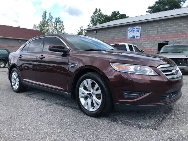 Photo 2010 Ford Taurus SEL - $6,300 (Olyphant)