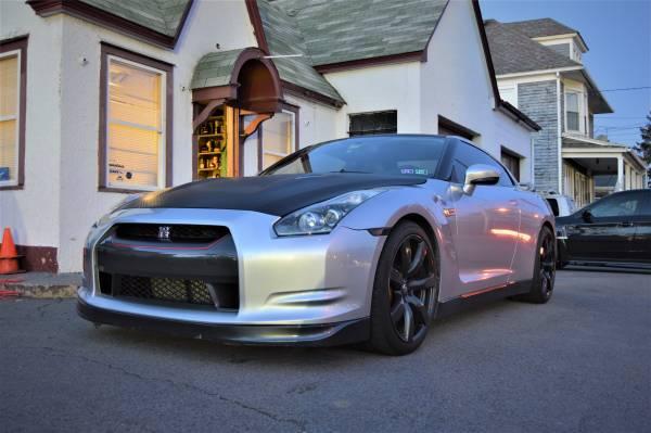 Photo 2010 Nissan GTR - $40000 (Wilkes-Barre)