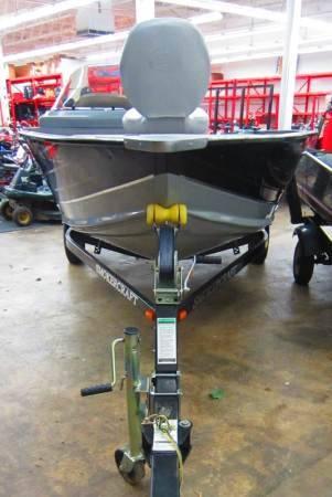 Photo 2010 SMOKERCRAFT Pro Angler 161 Semi-V Hull Fishing Boat  Motor  Tra - $7700