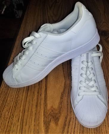 Photo Adidas All White Superstar Size 9.5 Mens Sneakers Shoes 3 Stripes - $35 (Beaumont PA)