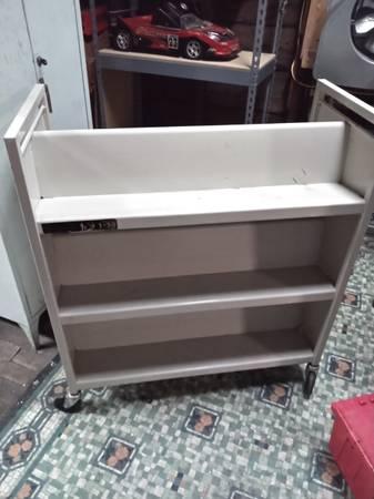 Photo Brentford metal library book cart - $50 (SCRANTON)