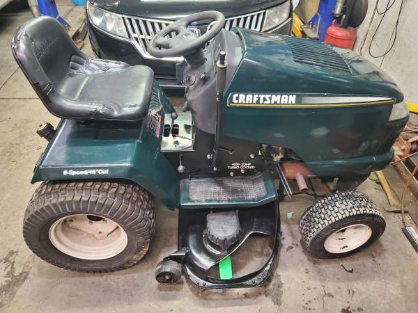 Photo Craftsman 46 quot cut riding tractor with bagger - $700 (Near Hazleton, Pa.)