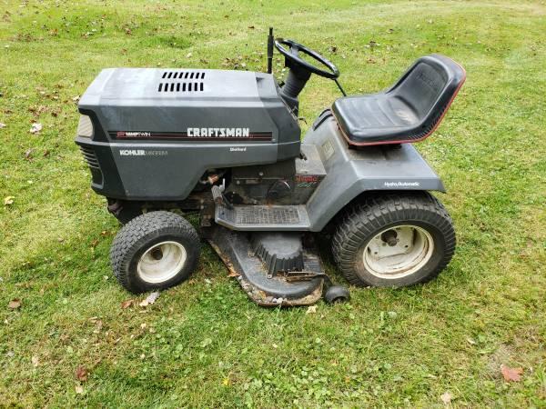 Photo Craftsman gt6000 garden tractor with snowblower attachment - $550 (shickshinny)