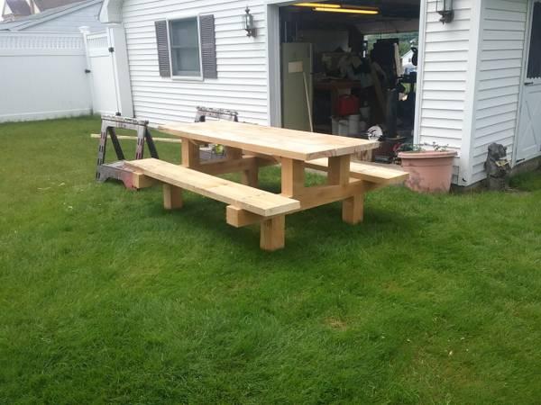 Photo Custom built picnic table - $380 (Jermyn)