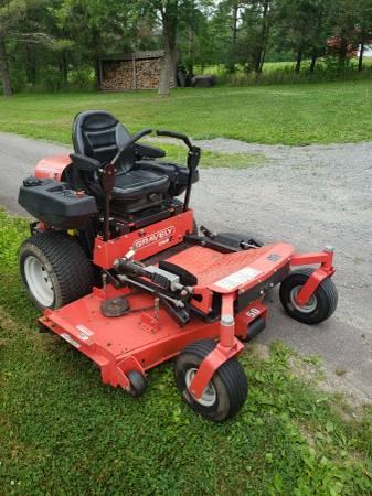 Photo Gravely Promaster 260 Z Zero turn mower - $2,995 (Kingsley)