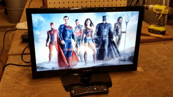 Photo Insignia 22quot 1080p  60Hz  LED-LCD HDTV - $40 (Forest City)