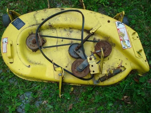 Photo John Deere STX38 Yellow Mower Deck - Make Offer - $125 (Meshoppen)