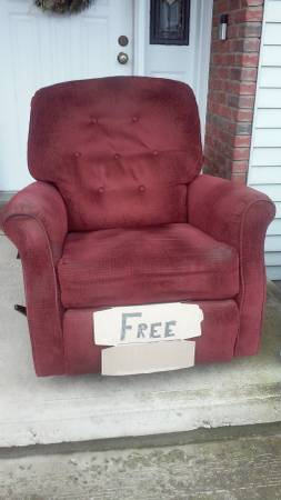 Photo Lazy Boy rocker recliner FREE (Old Forge)