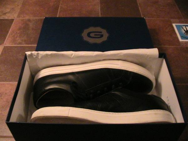 Photo Mens Shoes - UGG and Greats - Worn Once - Size 11.5  12 (Olyphant)