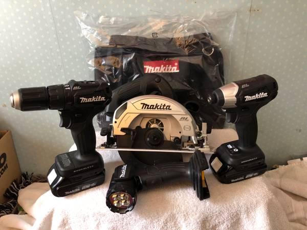 Photo NEW Makita 18v Sub-Compact 4-Tool Combo - $220 (Honesdale)