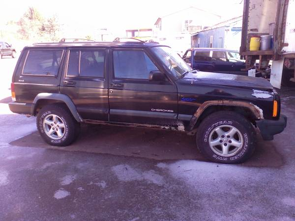 Photo PARTING OUT 1997 JEEP CHEROKEE XJ SPORT - $1,234 (Bloomsburg)