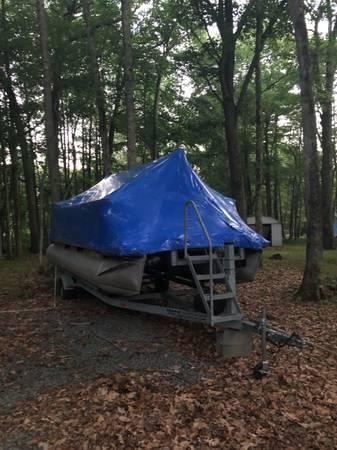 Photo Pontoon Boat - FOR SALE - $11,500 (Lake Wallenpaupack)