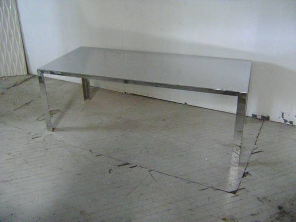 Photo RETAIL DISPLAY TABLE MIRROR LIKE FINISH METAL COVERED LARGE RECTANGLE - $295 (EDWARDSVILLE)