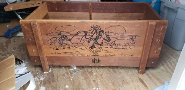 Photo Rare toy box - $75 (Clark39s summit)