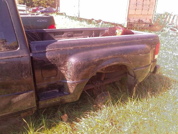 Photo STEP SIDE BEDBOX 2000 FORD RANGER SUPER CAB - $400 (Bloomsburg)