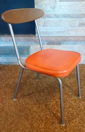 Photo Vintage 1970s Kitchen Chair - Free (West Hazleton)