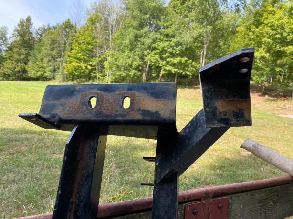 Photo Western Defender 1223 Snow Plow Mount - $200 (Waverly Township)