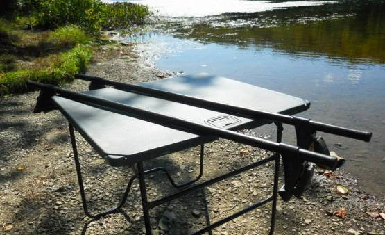 Photo Yakima roof rack, with Q towers for normal  plain roof - $110 (scranton)