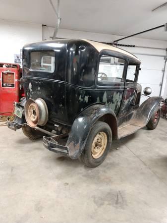 Photo 1930 ford sedan (Sioux falls)