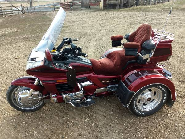 Photo 1998 Honda Goldwing 1500 Motor Trike - $11,400 (Rock Valley, IA)