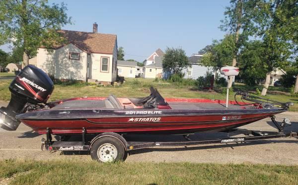 Photo 1999 Stratos 201 Pro Elite bass boat w 2005 200hp Mercury Optimax - $12,500 (Webster)