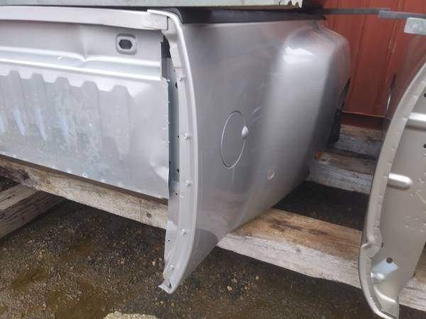 Photo 2008 Chevy dually truck bed - $900