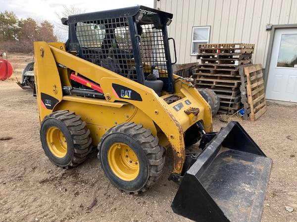 Photo 2011 CAT 236B-3 Skid Steer - 74hp, 2000, 2-Speed, New Drive Motor - $19,800 (Aberdeen)