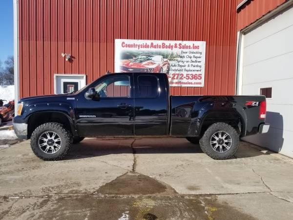 Photo 2011 GMC Sierra SLE All Terrain Z71, ext cab 4 dr, sharp truck - $11800 (Gary, SD)