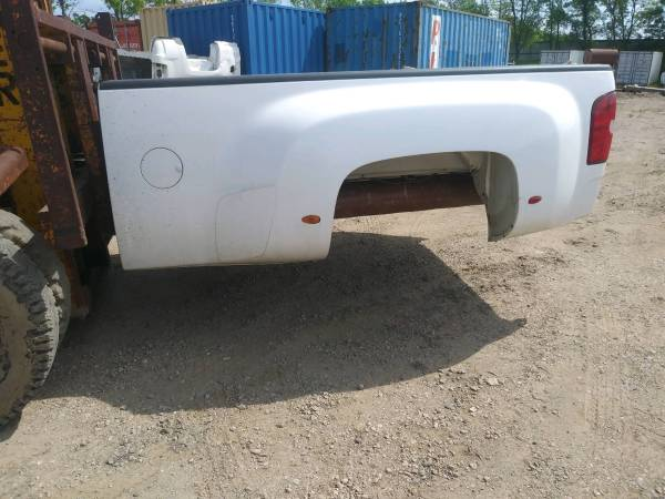 Photo 2012 Chevy dually long box truck bed - $1600