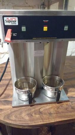 Photo Commercial Coffee Maker  Bunn Grinder  Extras - $1,000 (Pickstown)