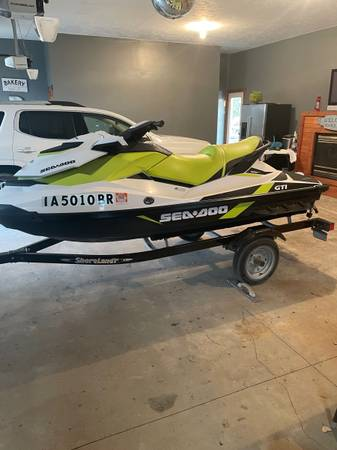 Photo Sea Doo Jet Ski - $8,500 (Merrill)