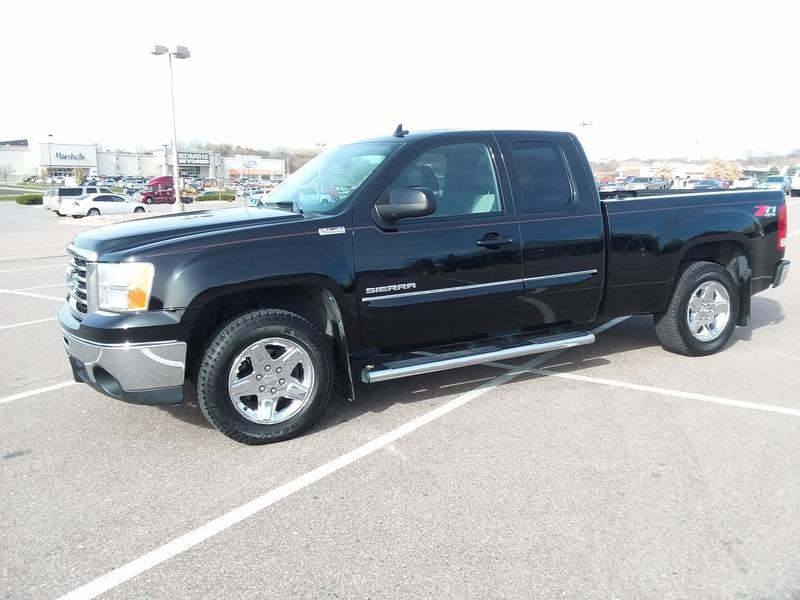 Photo Used 2011 GMC Sierra 1500 4x4 Extended Cab SLT for sale