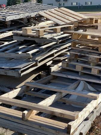 Wood Pallets, Scrap Metal-FREE, no need to ask (Brandon)