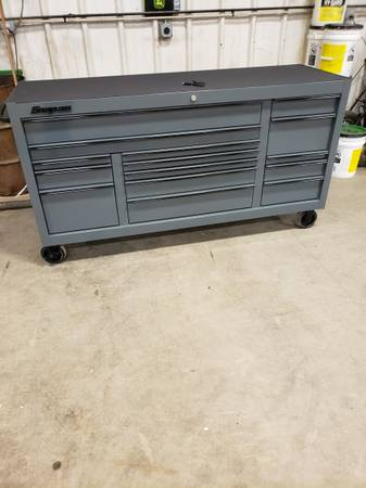 Photo kcp2423pwz like new 73 inch classic snap on tool box for sale. - $6,000 (Lesterville)