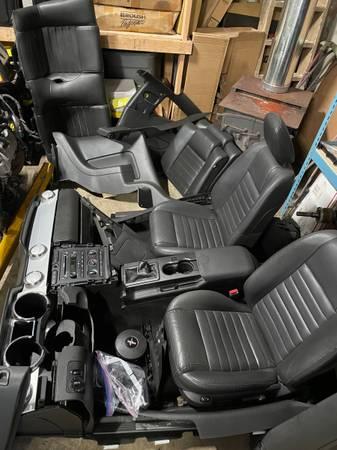 Photo 05-09 mustang premium black interior package - $1,000 (Grays river wa)