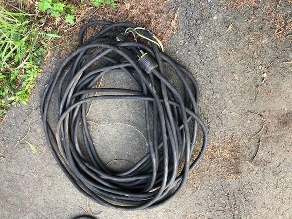 Photo 100-foot 30 Cord - $60 (Enumclaw)
