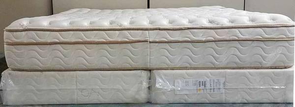Photo 11.5quot thick king size Saatva Premium luxury Firm Mattress (I DELIVER) - $650 (Kent)