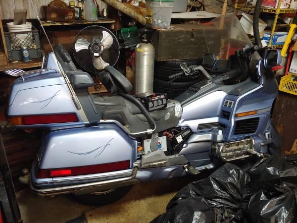 Photo 1990 Honda Goldwing 1500 - $800 (OCEAN SHORES)