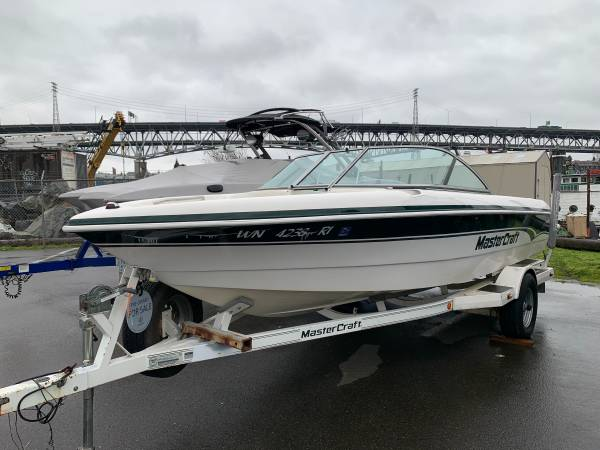 Photo 1999 2039 Mastercraft ProStar 205 with only 338 hours - $16,900 (Bellevue)