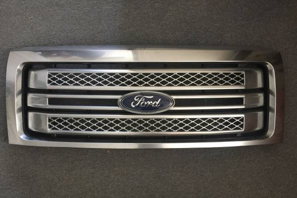 Photo 2014 FORD F150 PLATINUM RADIATOR GRILL - $550 (MARYSVILLE)