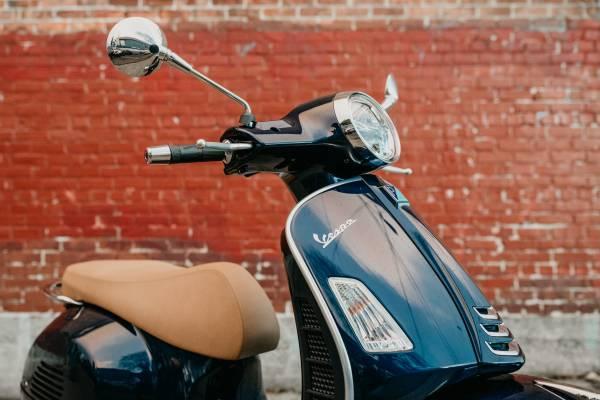 Photo 2020 Vespa GTS 300 HPE ABS - Blue Energia - $7,299 (NW MOTO - SEATTLE)