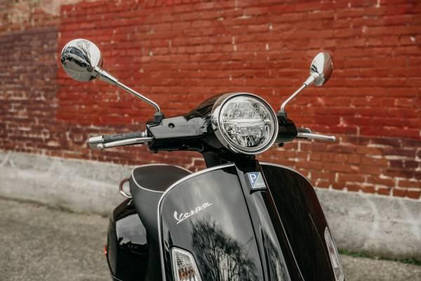 Photo 2020 Vespa GTS 300 Super HPE ABS - Black - $6,749 (NW MOTO - SEATTLE)