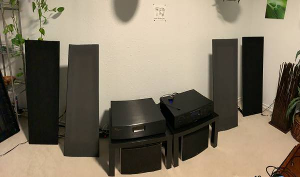 Photo 2 Pairs Of Magnepan MMG Speakers - $750 (Marysville)