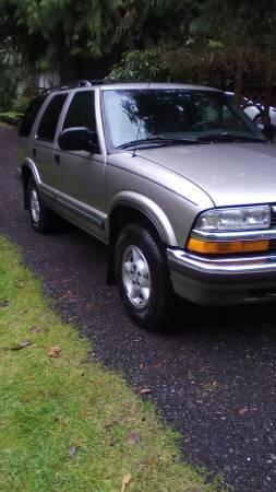 Photo 99 Chevy S10 Blazer - $2800 (Tacoma)